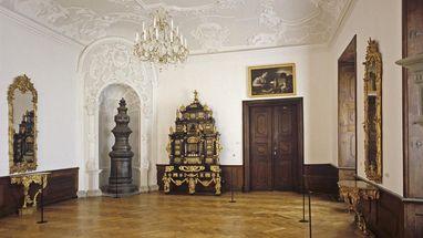 Augsburger Kabinettschrank im Jagdzimmer von Schloss ob Ellwangen; Foto: Staatliche Schlösser und Gärten Baden-Württemberg, Joachim Feist