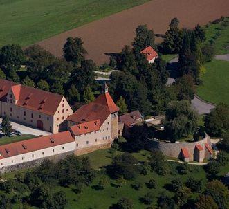 Die Ringmauer von Schloss ob Ellwangen