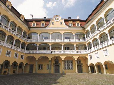 Schloss ob Ellwangen, Innenhof