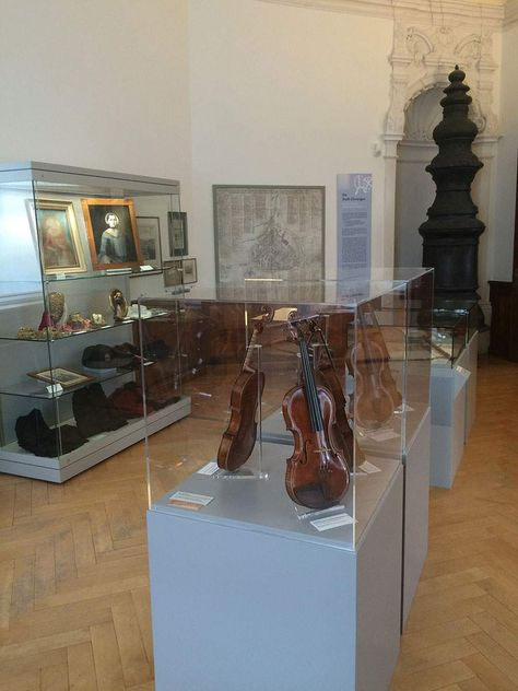 Ellwangen Palace, Musical instruments in the exhibition