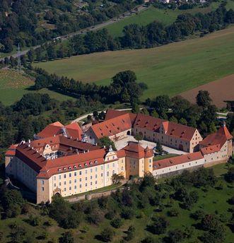 Luftansicht von Schloss ob Ellwangen; Foto: Staatliche Schlösser und Gärten Baden-Württemberg, Achim Mende
